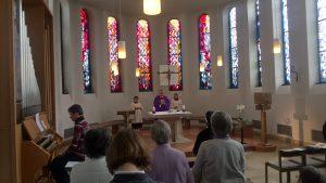 Pfr. Markus Bendel zelebriert die Hl.Messe.